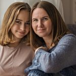 parents-and-teens-mom-and-her-teenage-daughter-sit-DUVND7R